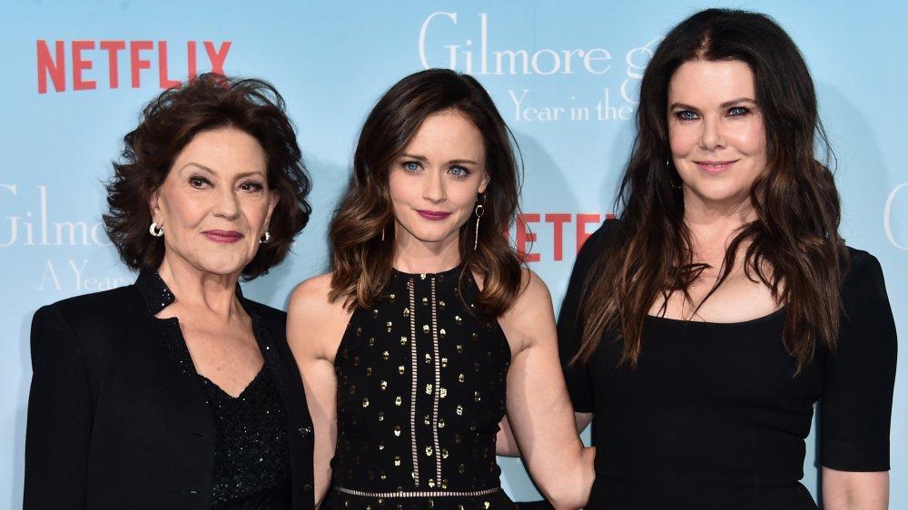 Kelly Bishop, Alexis Bledel, and Lauren Graham on the red carpet for Gilmore Girls