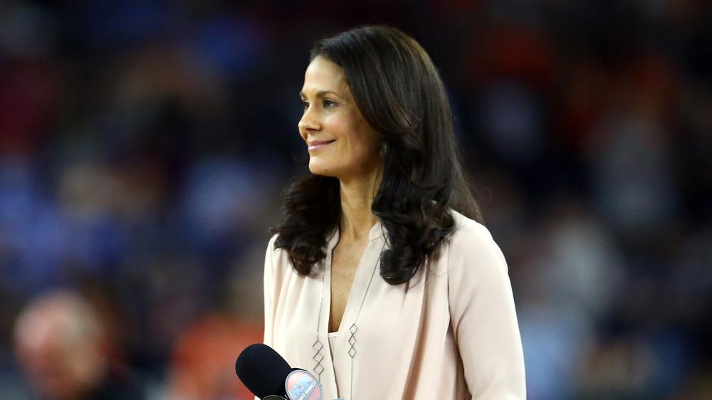 CBS sportscaster Tracy Wolfson