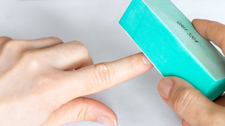 nail buffing with a buffer block