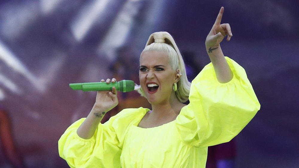 Katy Perry sings
