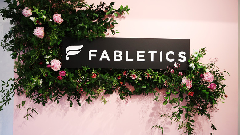 fabletics store sign