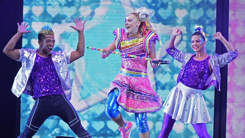 JoJo Siwa dancing in concert