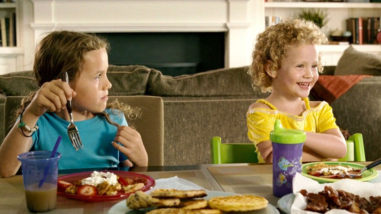 Maude and Iris Apatow in Knocked Up