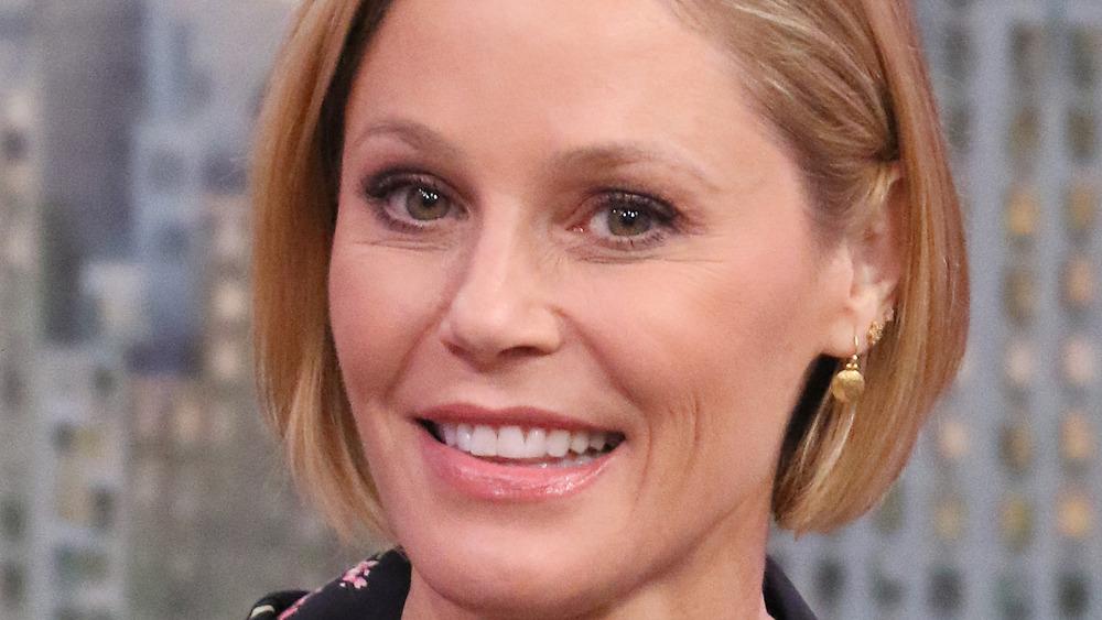 Julie Bowen smiling