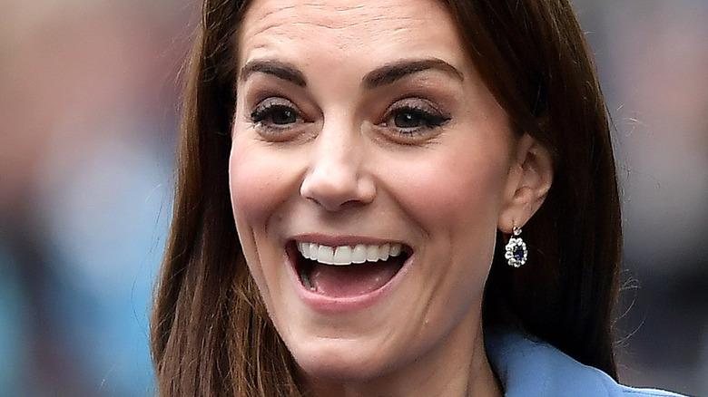 Kate Middleton greets waiting fans