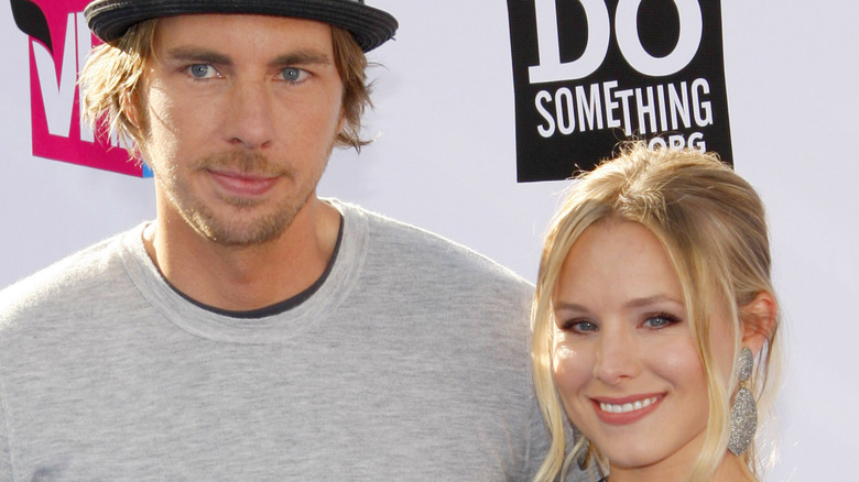 Kristen Bell and Dax Shepard goofing off on the red carpet