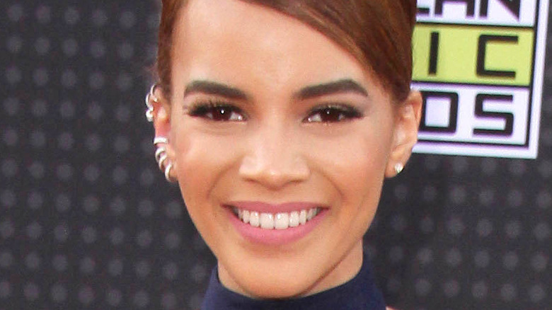 Leslie Grace smiling at the 2015 Latin American Music Awards