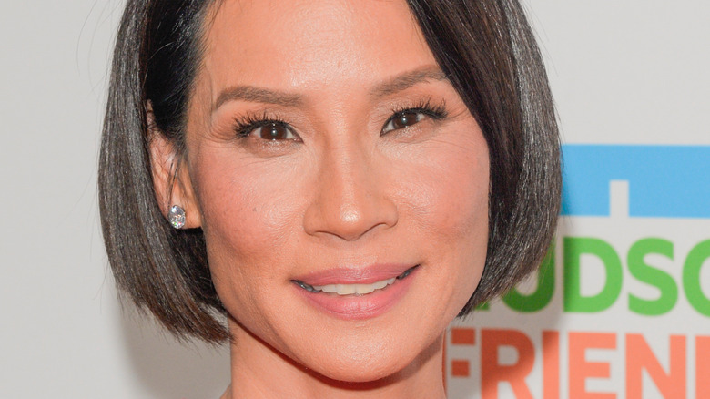 Lucy Liu posing on the red carpet