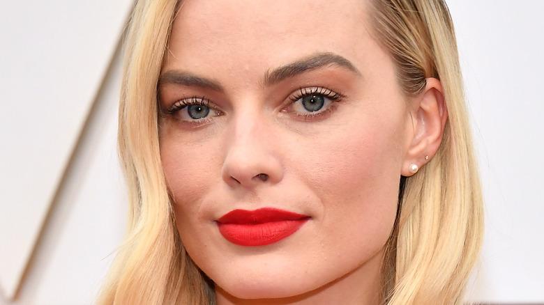 Margot Robbie with red lipstick
