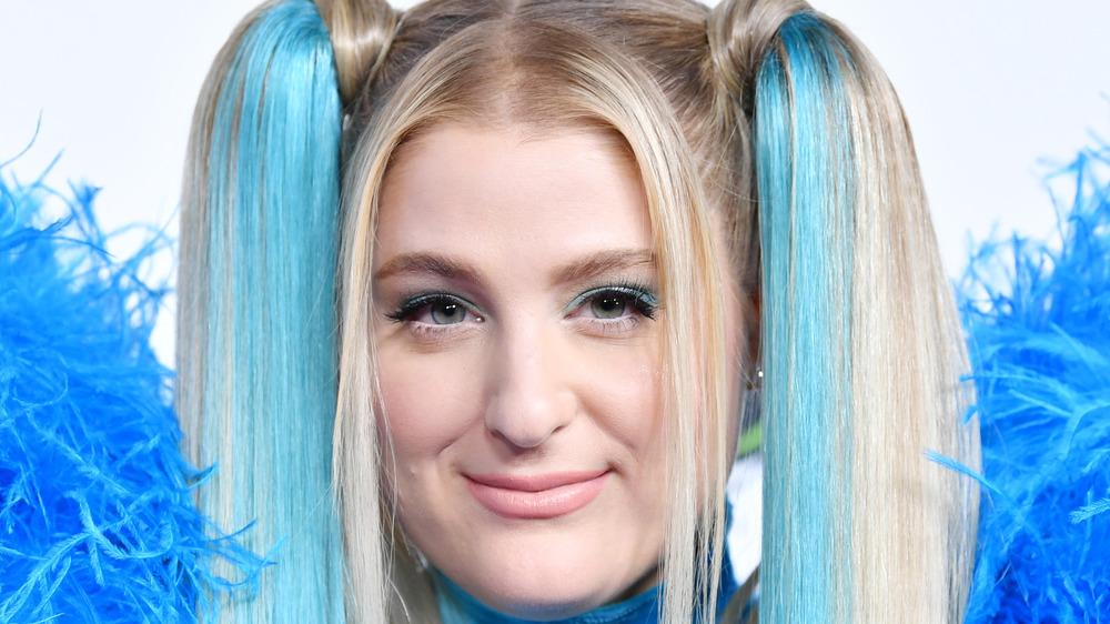 Meghan Trainor blue hair