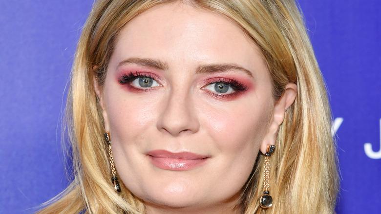 Mischa Barton in pink eyeshadow