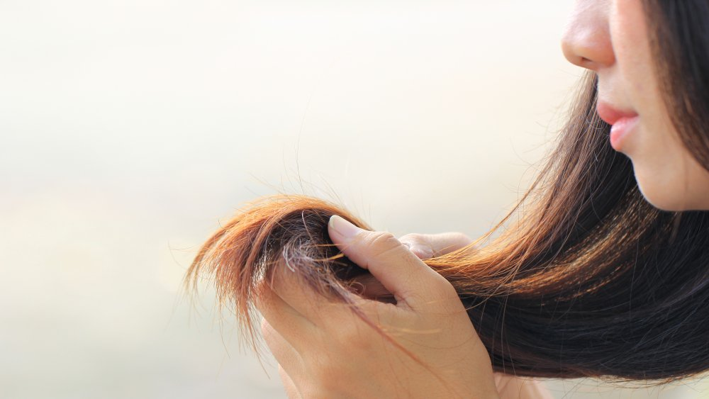 Woman with split ends