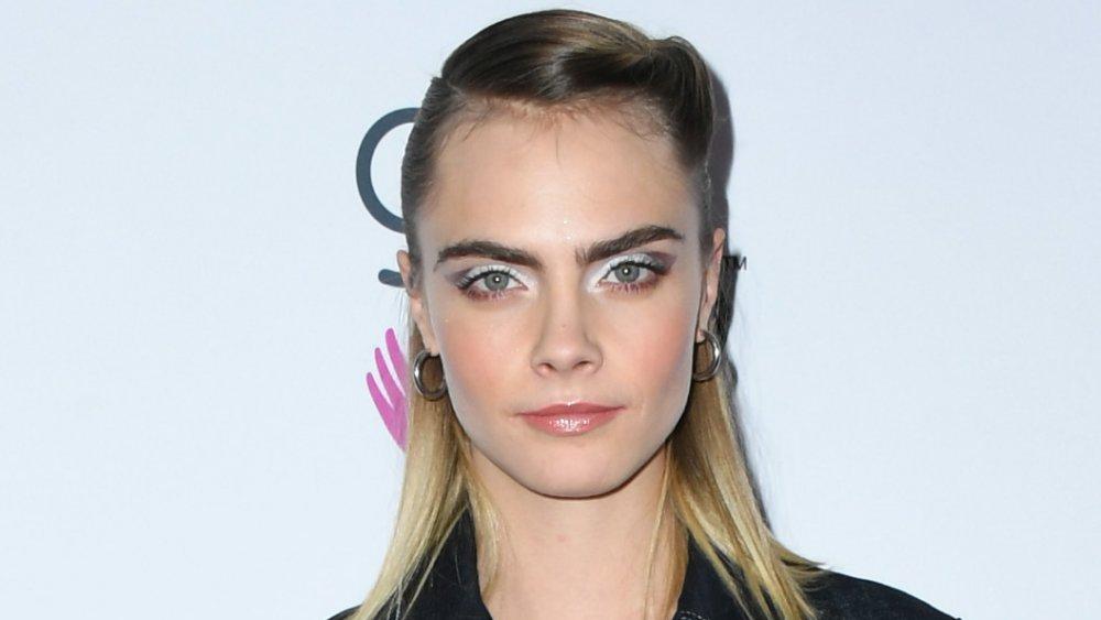 Cara Delevingne wearing old-school makeup trends