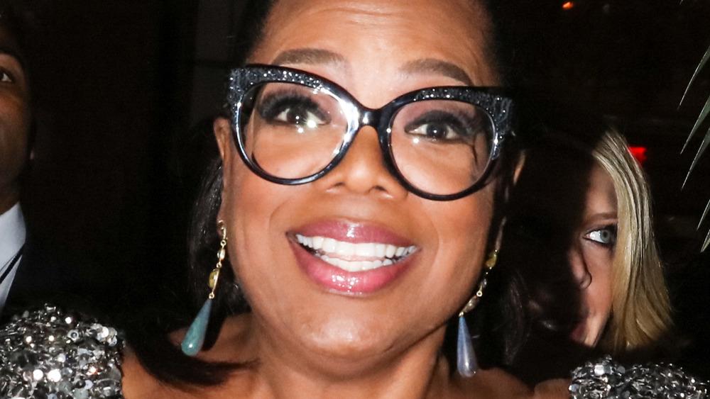 Oprah Winfrey in glitter glasses