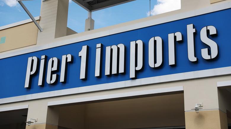 Pier 1 Imports exterior