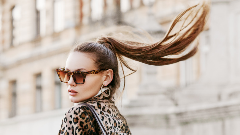 woman ponytail