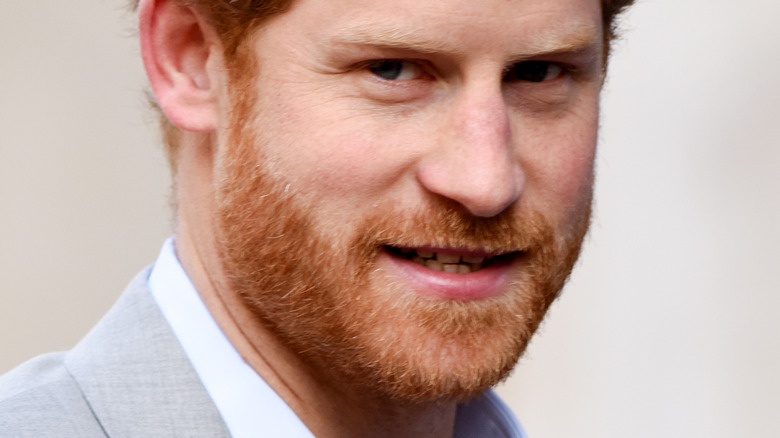 Prince Harry gray suit