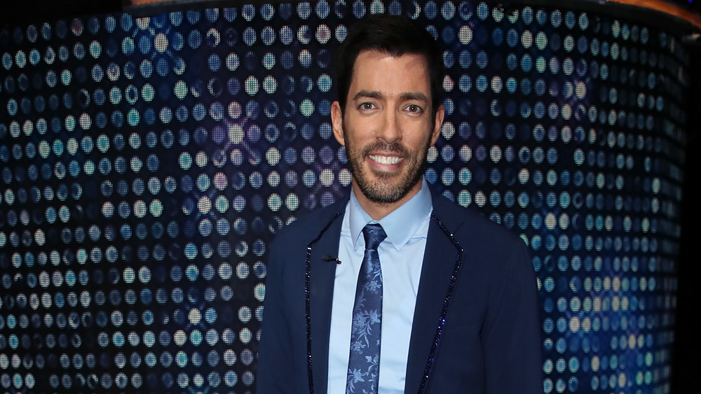 Drew Scott from the 'Property Brothers' poses on the red carpet for 'Dancing with the Stars.'