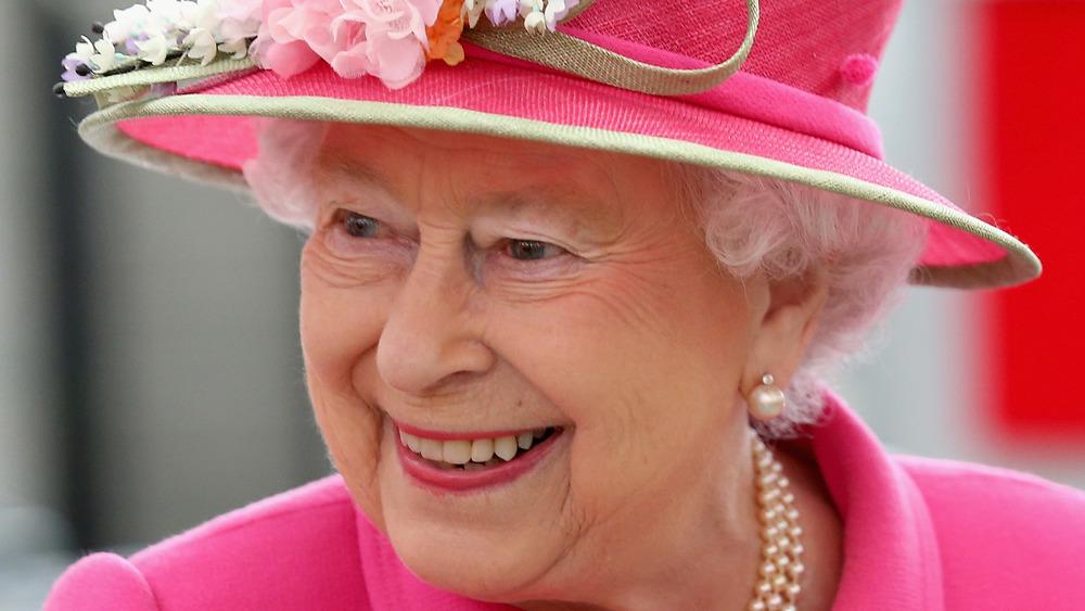 Queen Elizabeth wearing hot pink