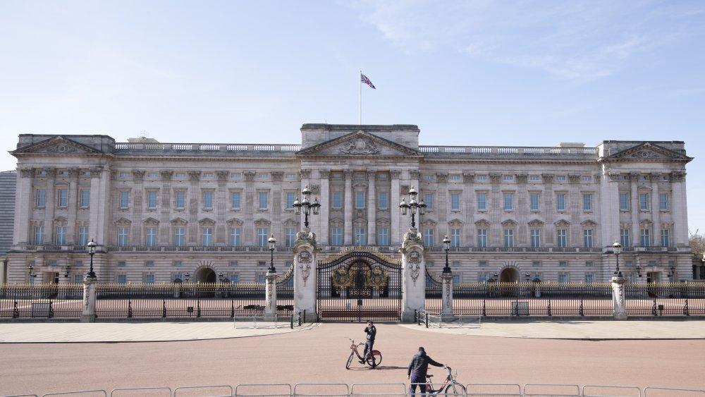 Queen Elizabeth's residence Buckingham Palace