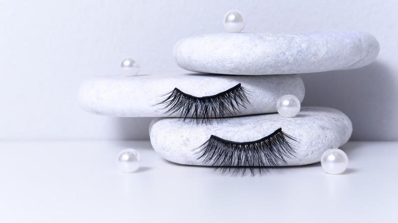 Fake eyelashes set