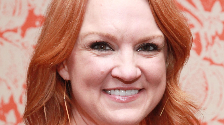 Ree Drummond posing at event