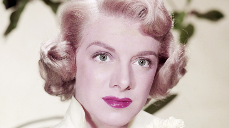 young Rosemary Clooney smiling