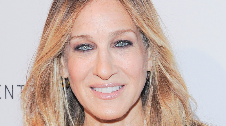 close up of Sarah Jessica Parker with straight hair
