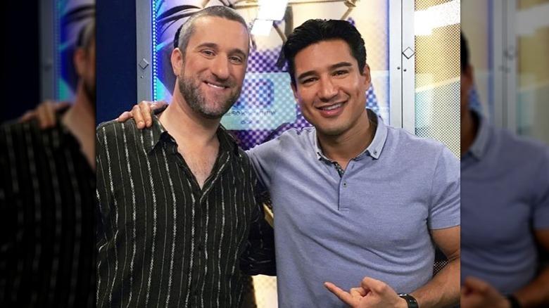 Dustin Diamond and Mario Lopez posing