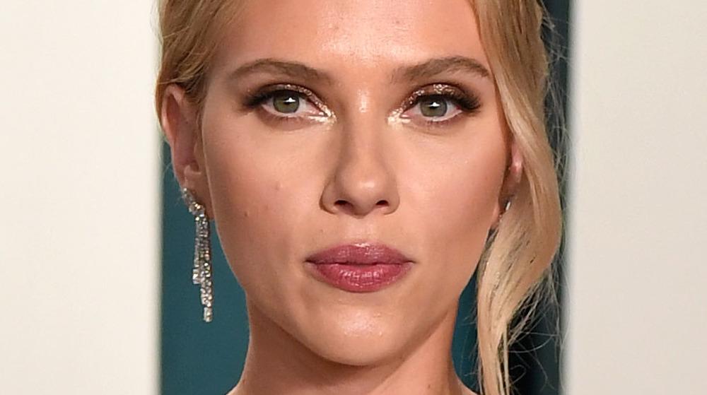Scarlett Johansson VF Oscars party