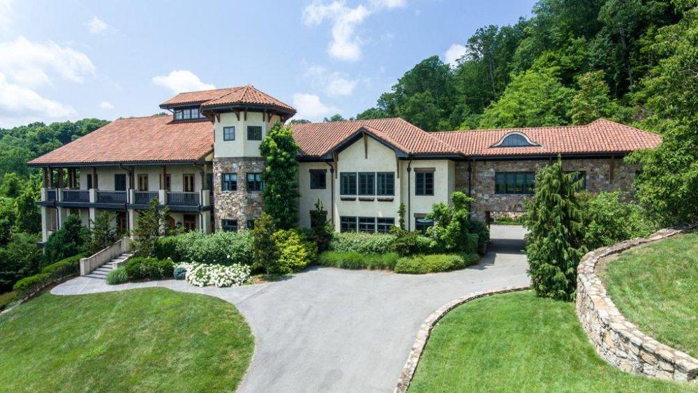 Kristin Cavallari and Jay Cutler's house exterior