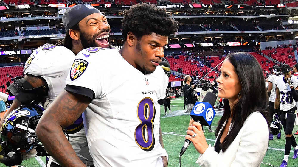Tracy Wolfson conducting NFL interview