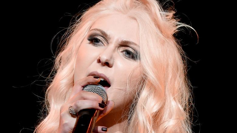 Taylor Momsen on stage