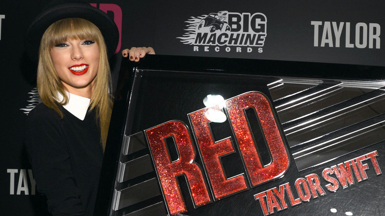 Taylor Swift Has Twitter In A Frenzy Over Her Latest ...