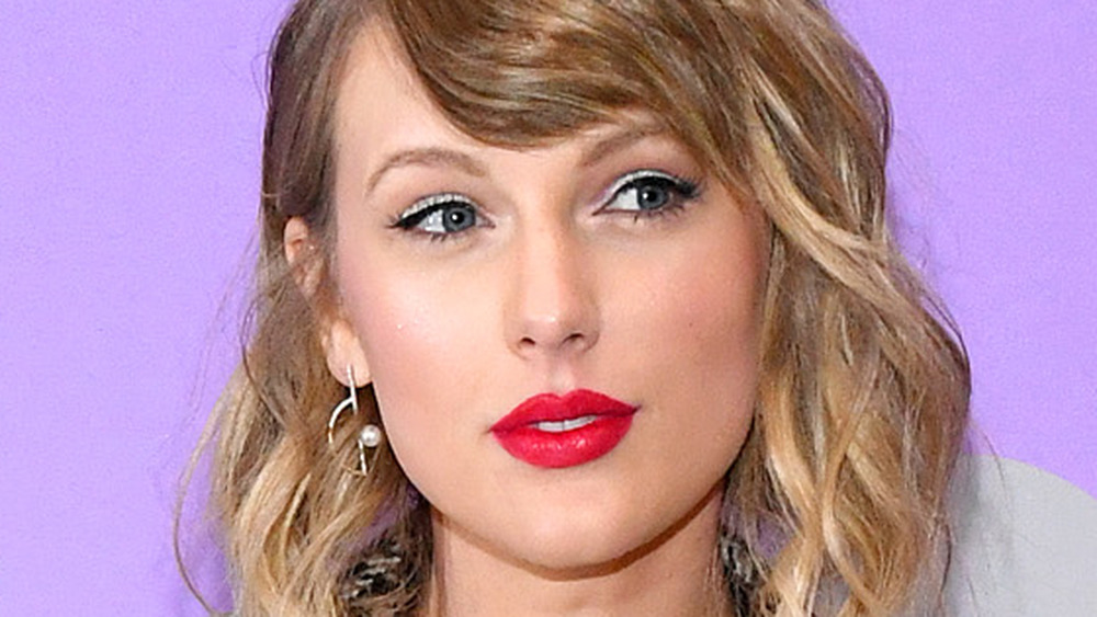Taylor Swift with red lipstick
