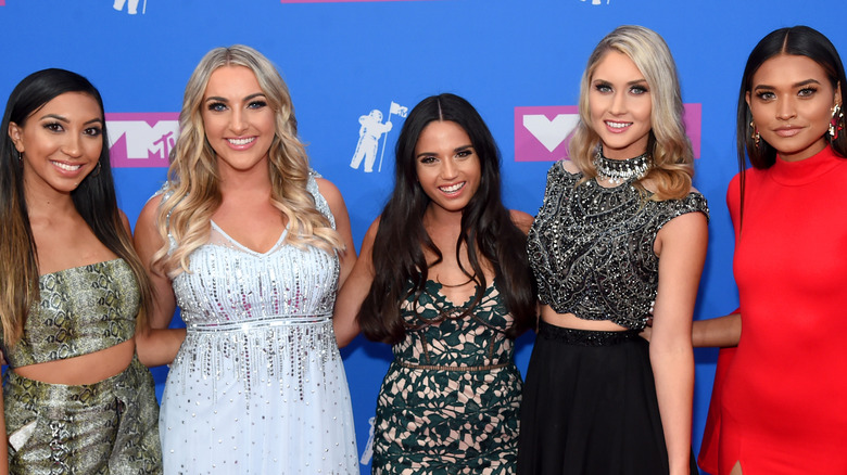 'Teen Mom: Young Moms Club' cast posing