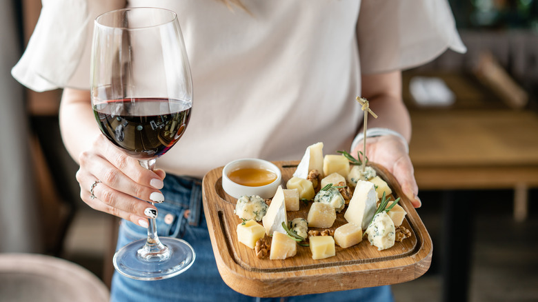 cheese that pairs with red wine