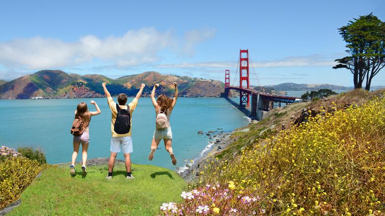 People jumping Golden Gate Bridge