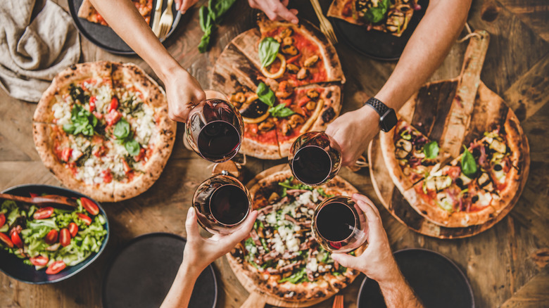 Red wine and pizza