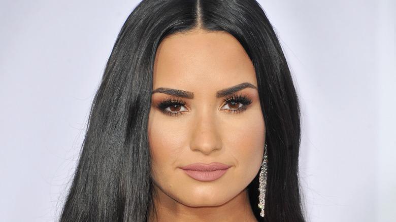 Demi Lovato chandelier earrings