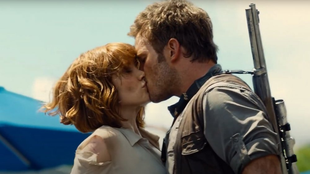 Bryce Dallas Howard and Chris Pratt's unscripted kiss in Jurassic World