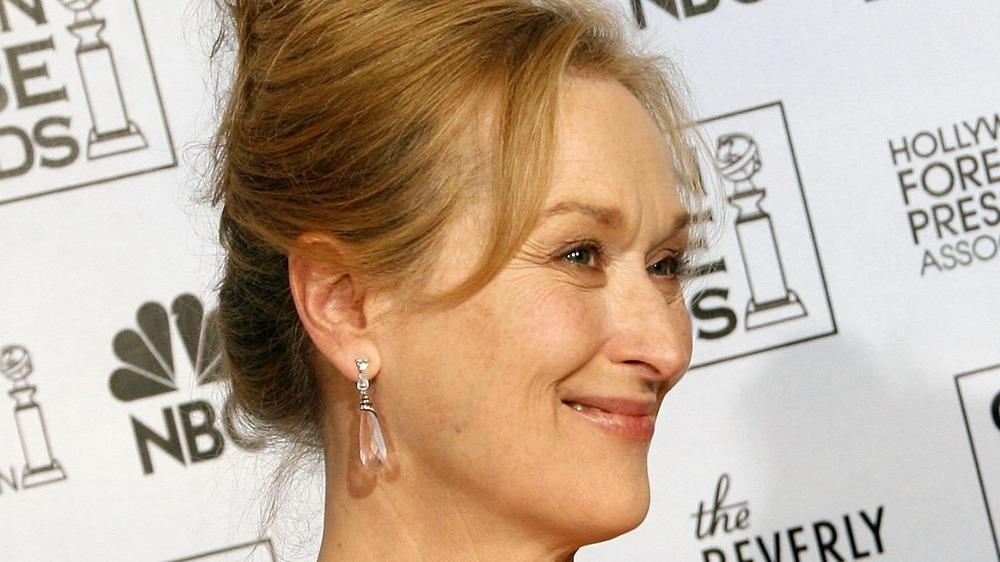 Meryl Streep posing at the Golden Globes