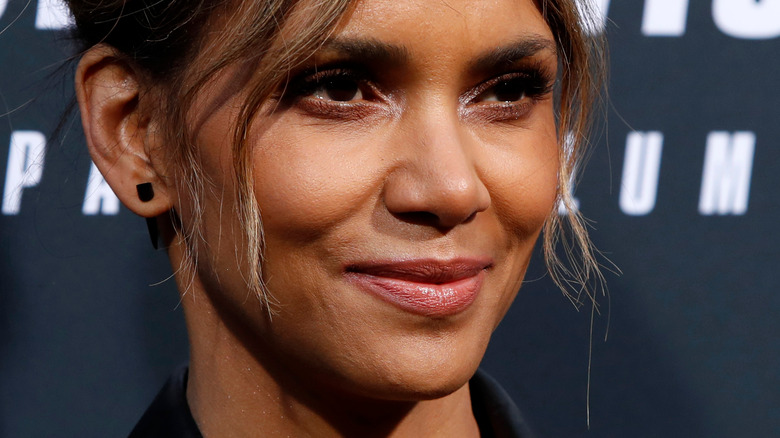 Halle Berry smiles at premiere