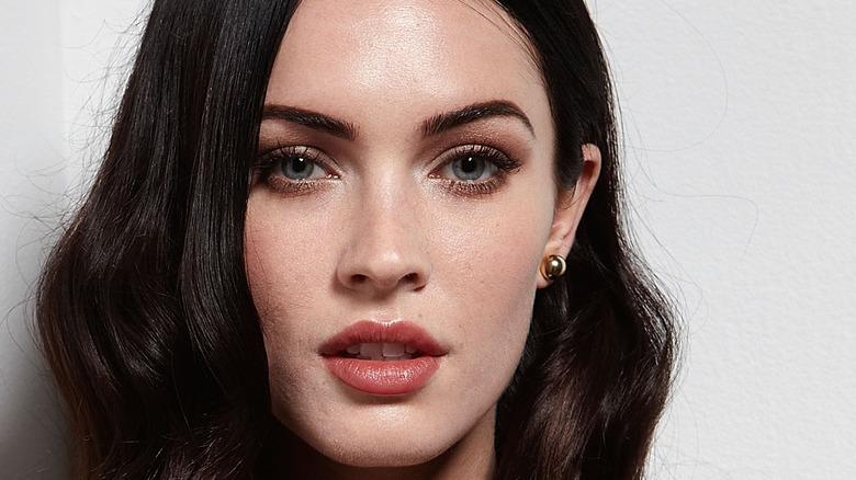 Meghan Fox neutral lip color in Jennifer's Body