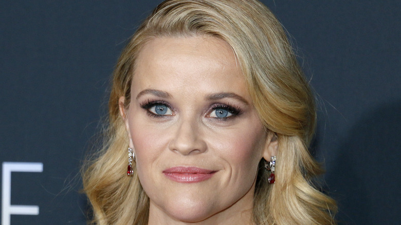 Reese Witherspoon with wavy hair