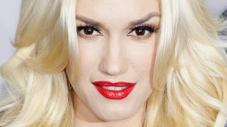 Gwen Stefani poses on the red carpet