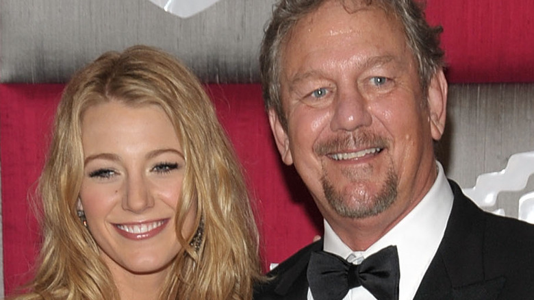 Blake Lively and Ernie Lively at a red carpet event in 2009