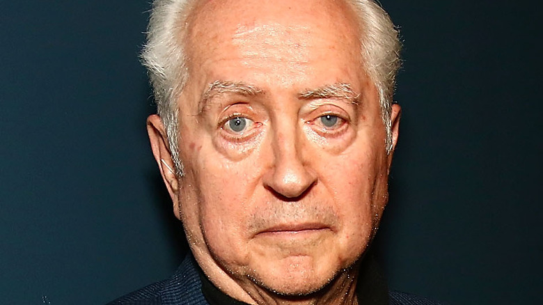 Robert Downey Sr. poses for the camera at a 2016 event.
