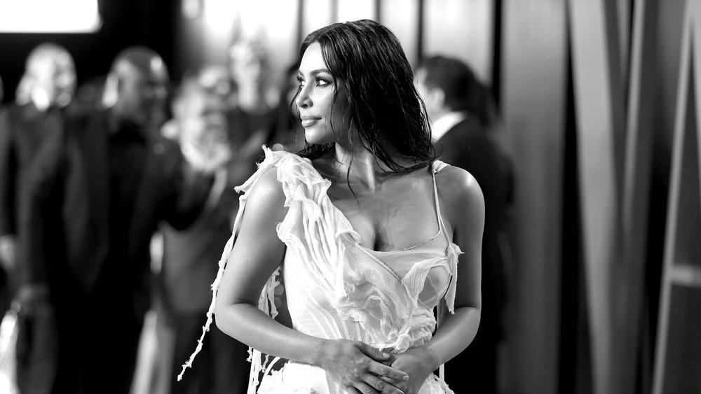 Kim Kardashian at the 2019 Vanity Fair Oscar party, black and white