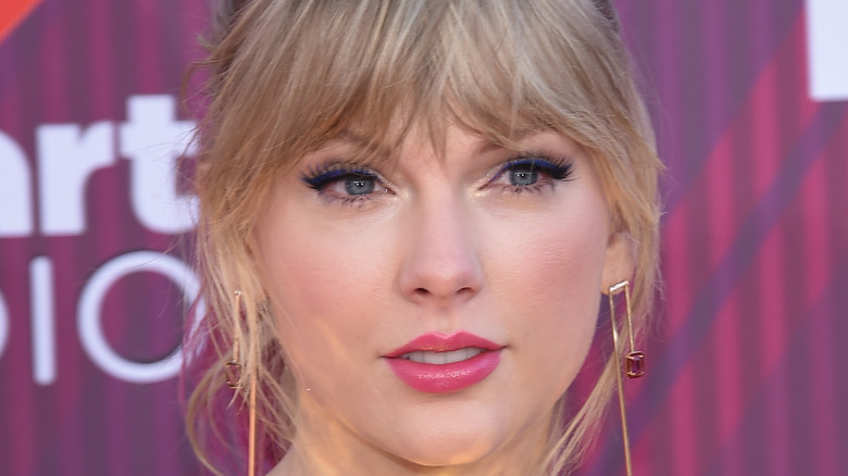 Taylor Swift, red carpet